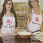 Duas gostosas e uma cozinha: Oral + Omelete